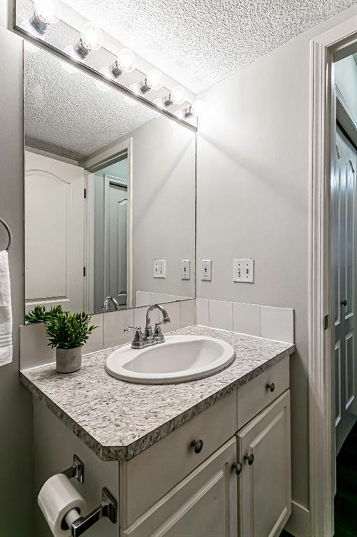 Photo 12: Photos: 116 10 SIERRA MORENA Mews SW in Calgary: Signal Hill Apartment for sale : MLS®# C4281143