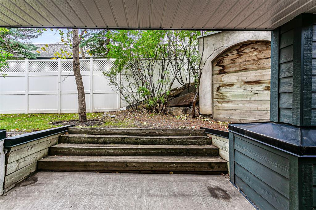 Photo 18: Photos: 116 10 SIERRA MORENA Mews SW in Calgary: Signal Hill Apartment for sale : MLS®# C4281143