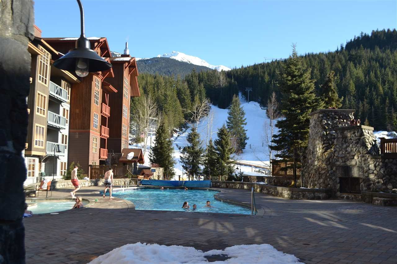 """Photo 7: Photos: 336 2036 LONDON Lane in Whistler: Whistler Creek Condo for sale in """"Legends"""" : MLS®# R2501885"""