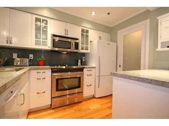 """Main Photo: 3 1350 W 6TH Avenue in Vancouver: Fairview VW Townhouse  in """"Pepper Ridge"""" (Vancouver West)  : MLS®# V870232"""