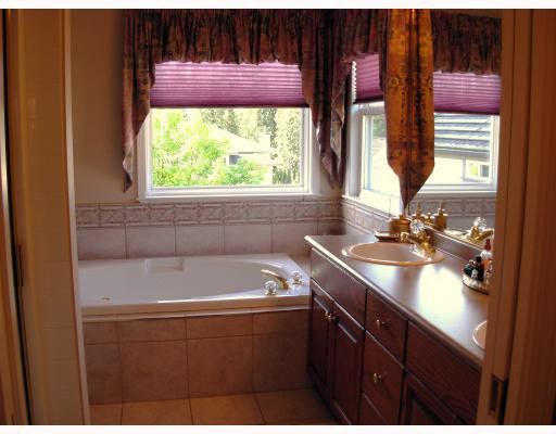 """Photo 7: Photos: 1302 FOREST Walk in Coquitlam: Burke Mountain House for sale in """"COBBLESTONE GATE"""" : MLS®# V709323"""