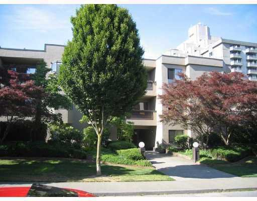"""Main Photo: 203 975 W 13TH Avenue in Vancouver: Fairview VW Condo for sale in """"OAKMONT PLACES"""" (Vancouver West)  : MLS®# V710519"""