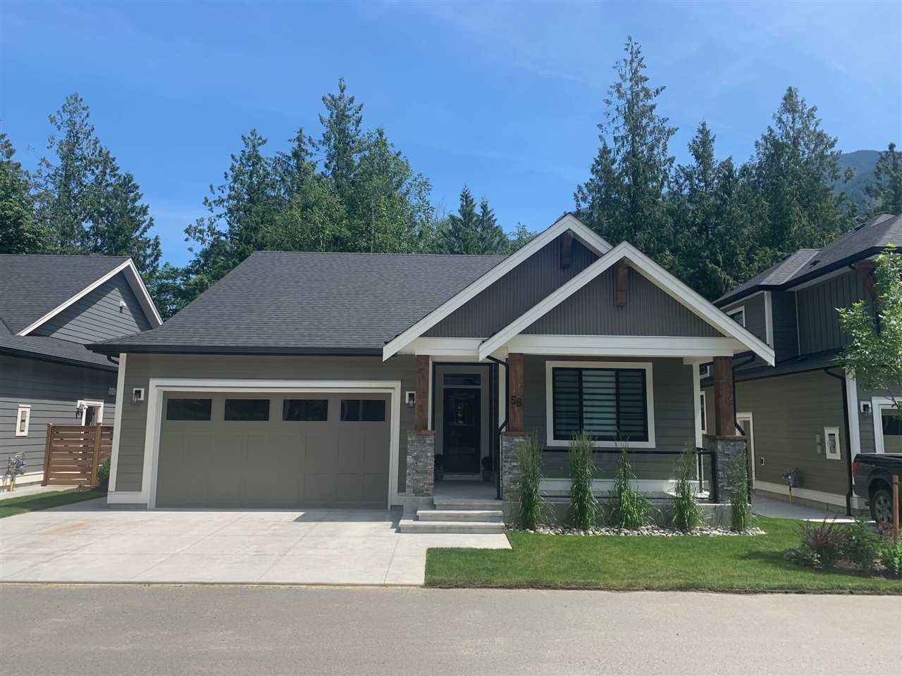 "Main Photo: 62 1885 COLUMBIA VALLEY Road in Cultus Lake: Lindell Beach House for sale in ""Aquadel Crossing"" : MLS®# R2452525"