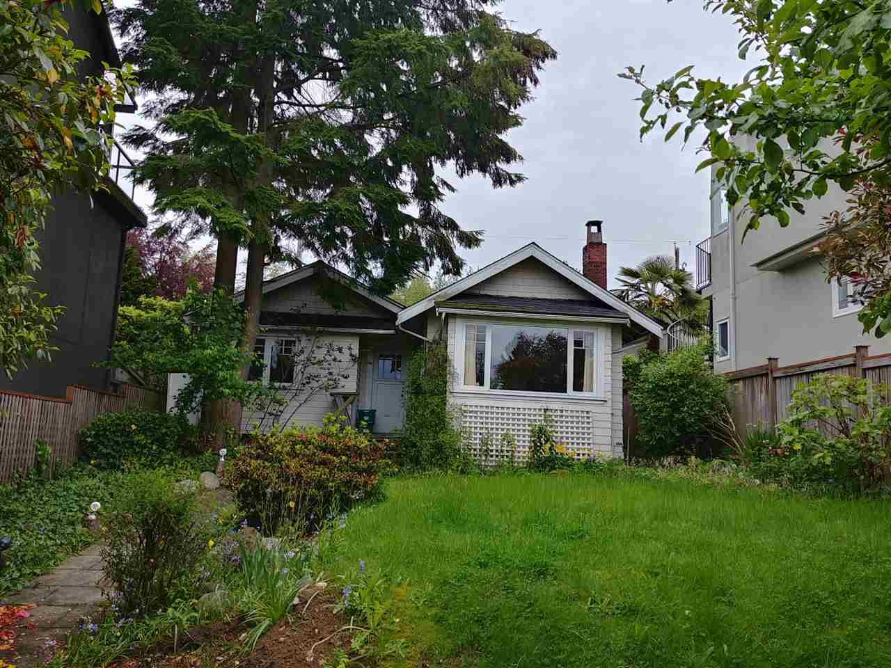 Main Photo: 4180 W 11TH AVENUE in : Point Grey House for sale : MLS®# R2371669