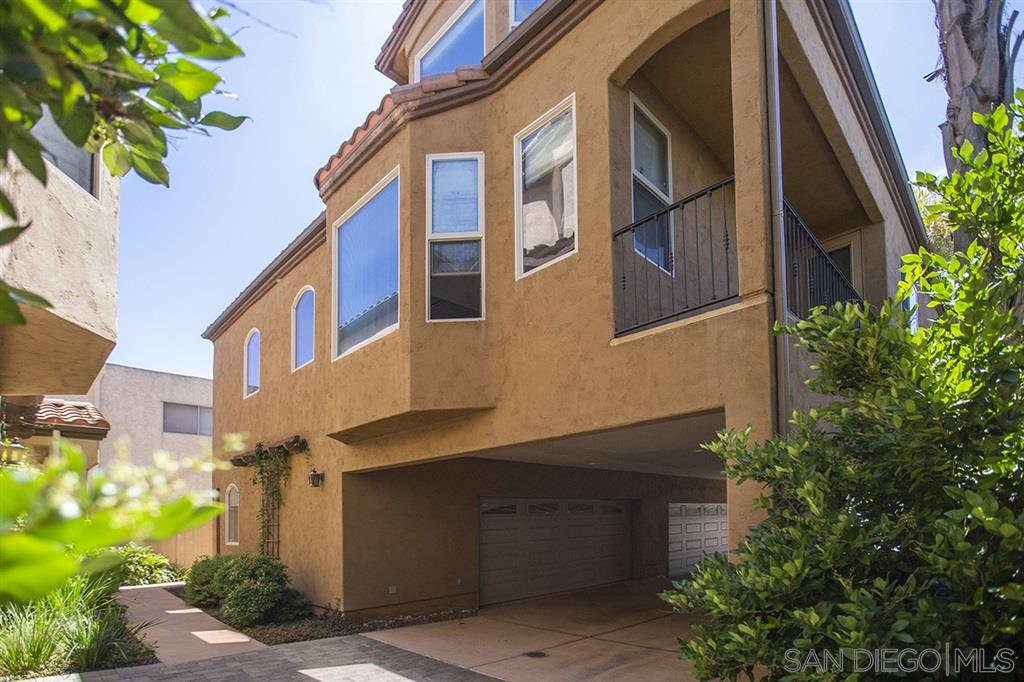 Main Photo: HILLCREST Townhome for sale : 3 bedrooms : 4227 5th Ave in San Diego