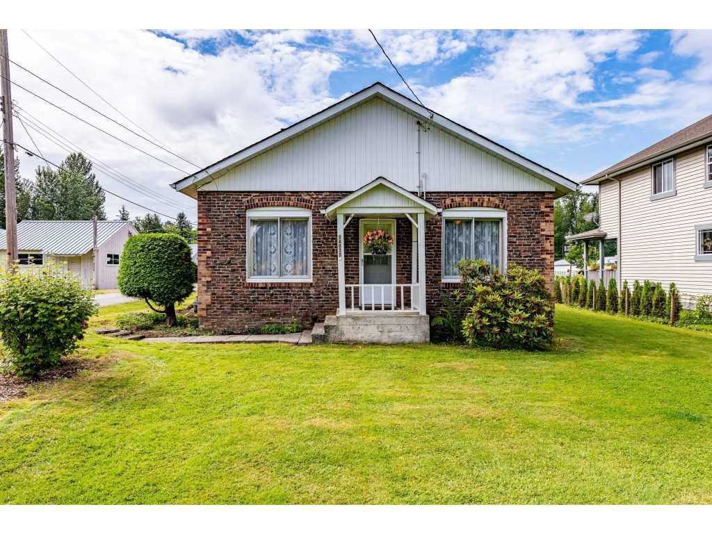 "Main Photo: 34930 CLAYBURN Road in Abbotsford: Abbotsford East House for sale in ""Historical Clayburn Village"" : MLS®# R2477607"
