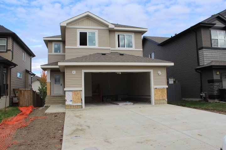 Main Photo: 44 MEADOWLAND Way: Spruce Grove House for sale : MLS®# E4217278