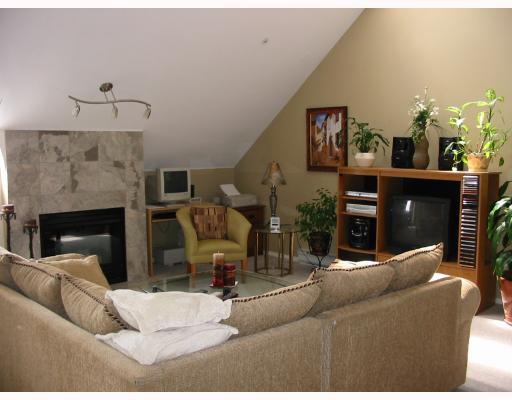 """Main Photo: 405 1570 PRAIRIE Avenue in Port_Coquitlam: Glenwood PQ Condo for sale in """"VIOLAS"""" (Port Coquitlam)  : MLS®# V655985"""