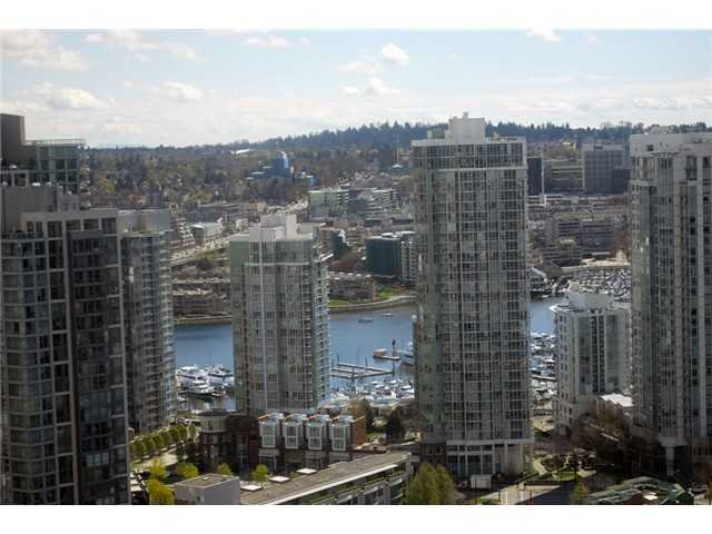 Main Photo: 939 Homer Street in Vancouver: Condo for sale