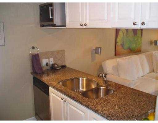 Photo 4: Photos: 308 929 W 16TH AV in Vancouver: Fairview VW Condo for sale (Vancouver West)  : MLS®# V538121