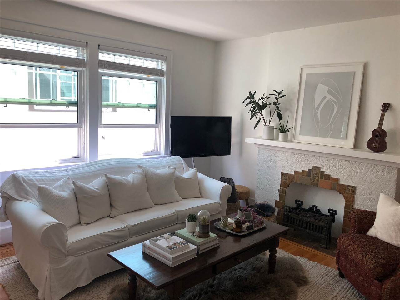 """Main Photo: 306 1545 W 13TH Avenue in Vancouver: Fairview VW Condo for sale in """"THE LEICESTER"""" (Vancouver West)  : MLS®# R2481541"""