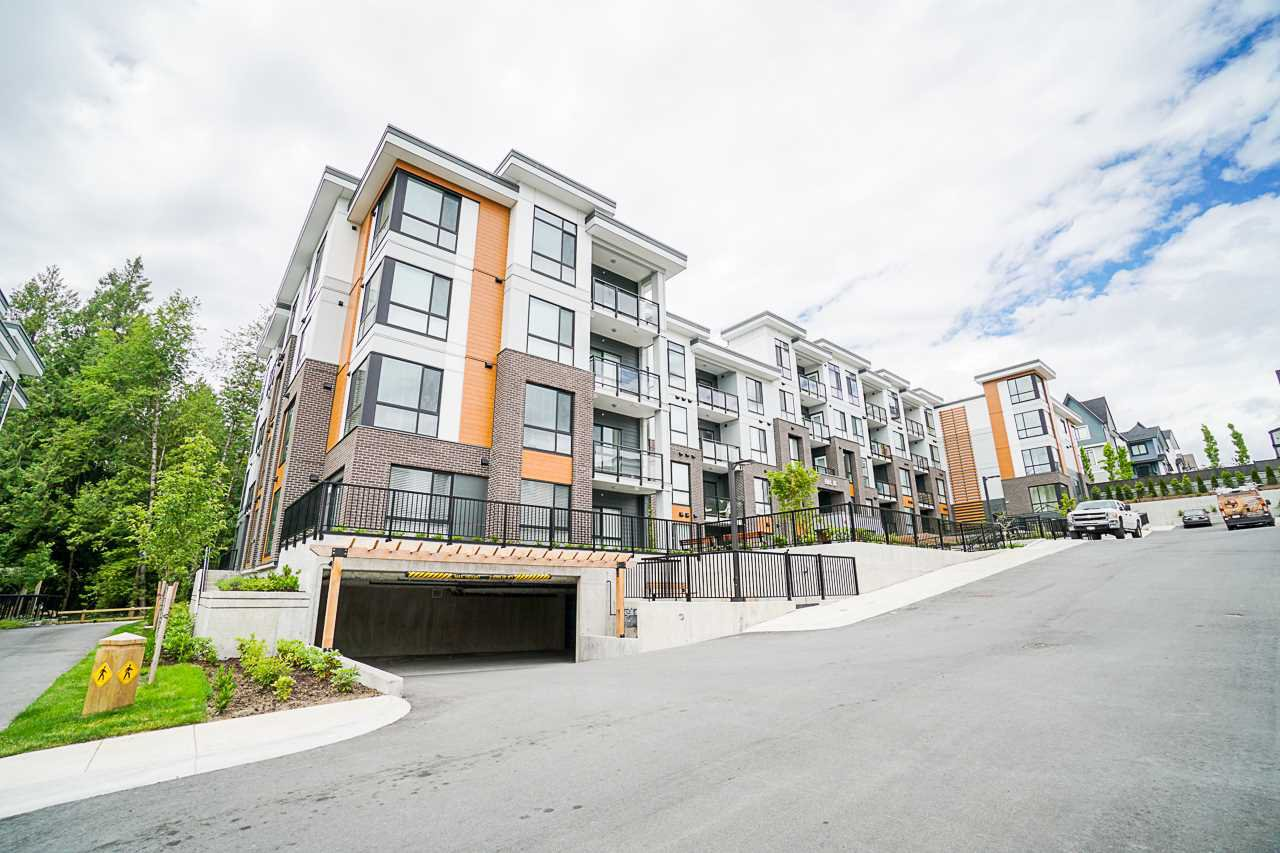 """Main Photo: B405 20087 68 Avenue in Langley: Willoughby Heights Condo for sale in """"PARK HILL"""" : MLS®# R2522814"""
