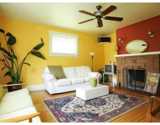 Main Photo: 1166 E 10TH AV in Vancouver: House for sale : MLS®# V899754