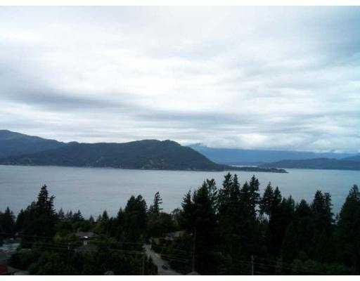 """Main Photo: 70 8617 SEASCAPE Drive in West_Vancouver: Howe Sound Townhouse for sale in """"SEASCAPES"""" (West Vancouver)  : MLS®# V684701"""