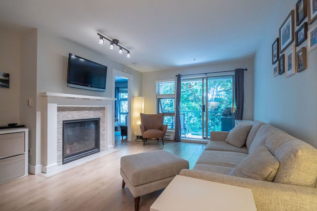 "Main Photo: 207A 301 MAUDE Road in Port Moody: North Shore Pt Moody Condo for sale in ""HERITAGE GRAND"" : MLS®# R2402322"