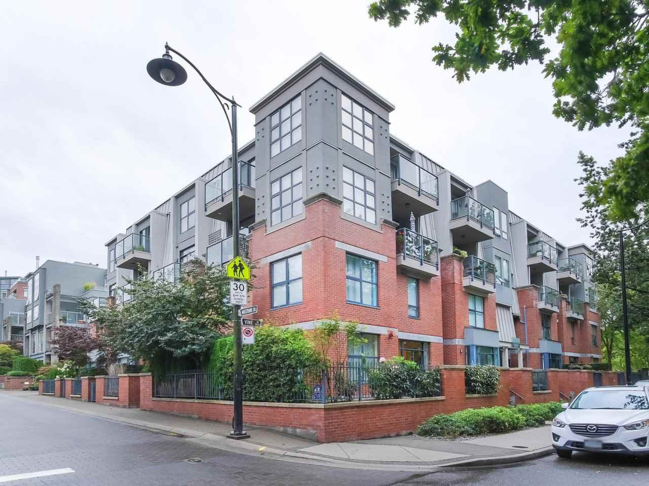 """Main Photo: 107 2688 VINE Street in Vancouver: Kitsilano Townhouse for sale in """"THE TREO"""" (Vancouver West)  : MLS®# R2406674"""