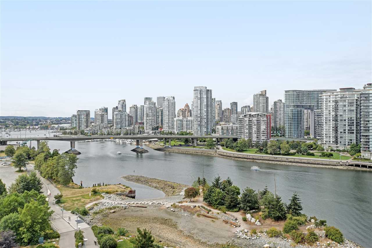 "Main Photo: 1102 181 ATHLETES Way in Vancouver: False Creek Condo for sale in ""CANADA HOUSE"" (Vancouver West)  : MLS®# R2414013"