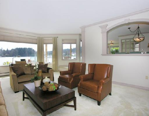 "Photo 3: Photos: 2748 PANORAMA Drive in North_Vancouver: Deep Cove House for sale in ""DEEP COVE"" (North Vancouver)  : MLS®# V704268"