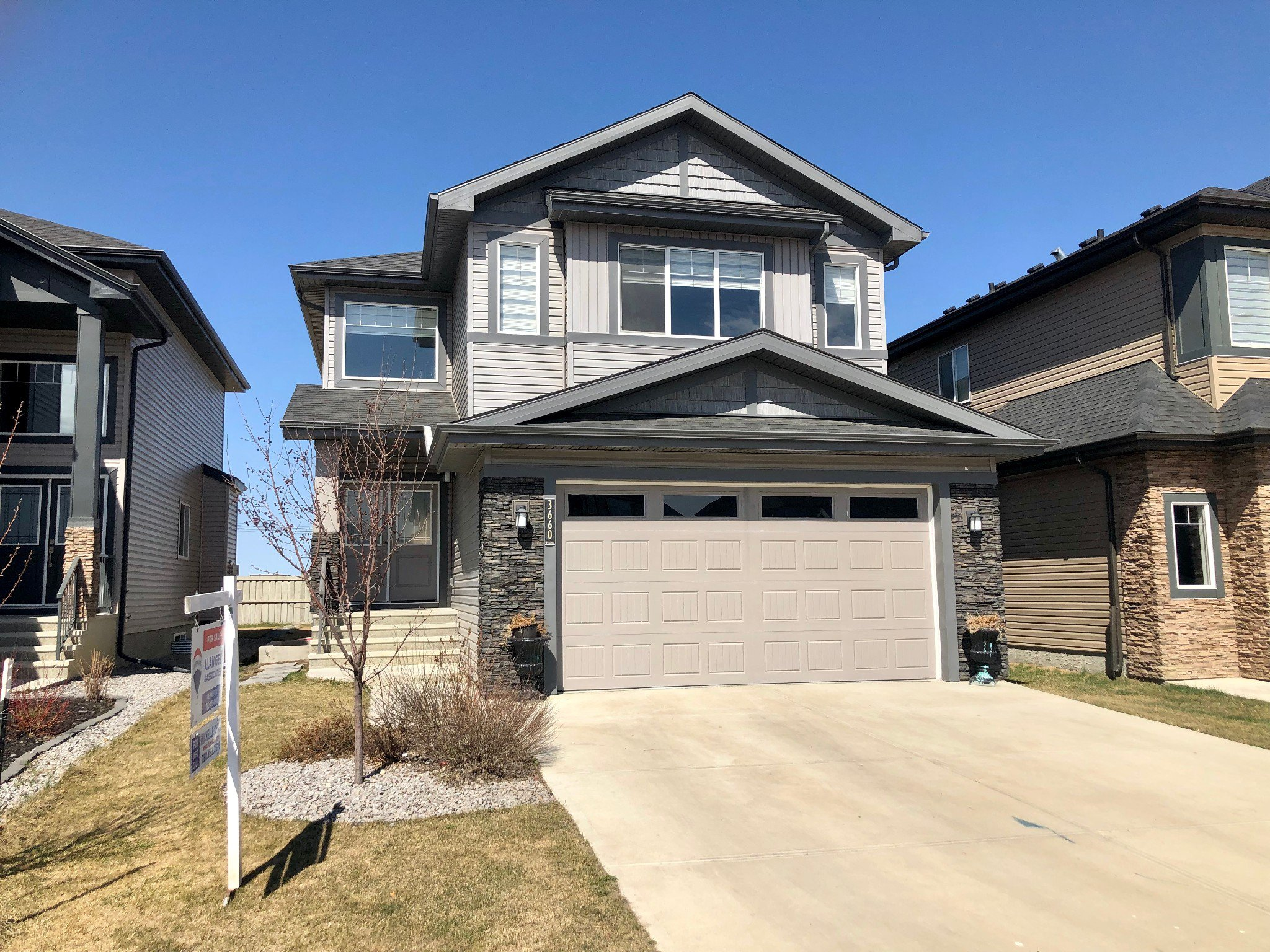 Main Photo: 3660 Claxton pl SW in Edmonton: House for sale