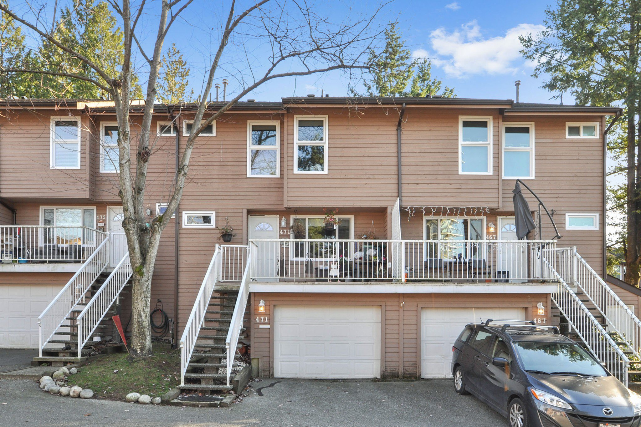 "Main Photo: 471 LEHMAN Place in Port Moody: North Shore Pt Moody Townhouse for sale in ""EAGLE POINT"" : MLS®# R2422434"