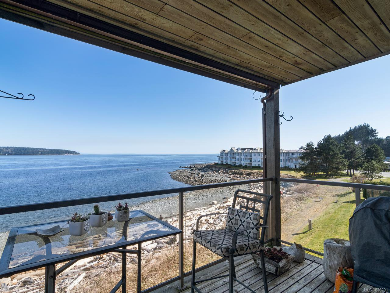 Main Photo: 1302 27 S Island Hwy in CAMPBELL RIVER: CR Campbell River South Condo Apartment for sale (Campbell River)  : MLS®# 836391
