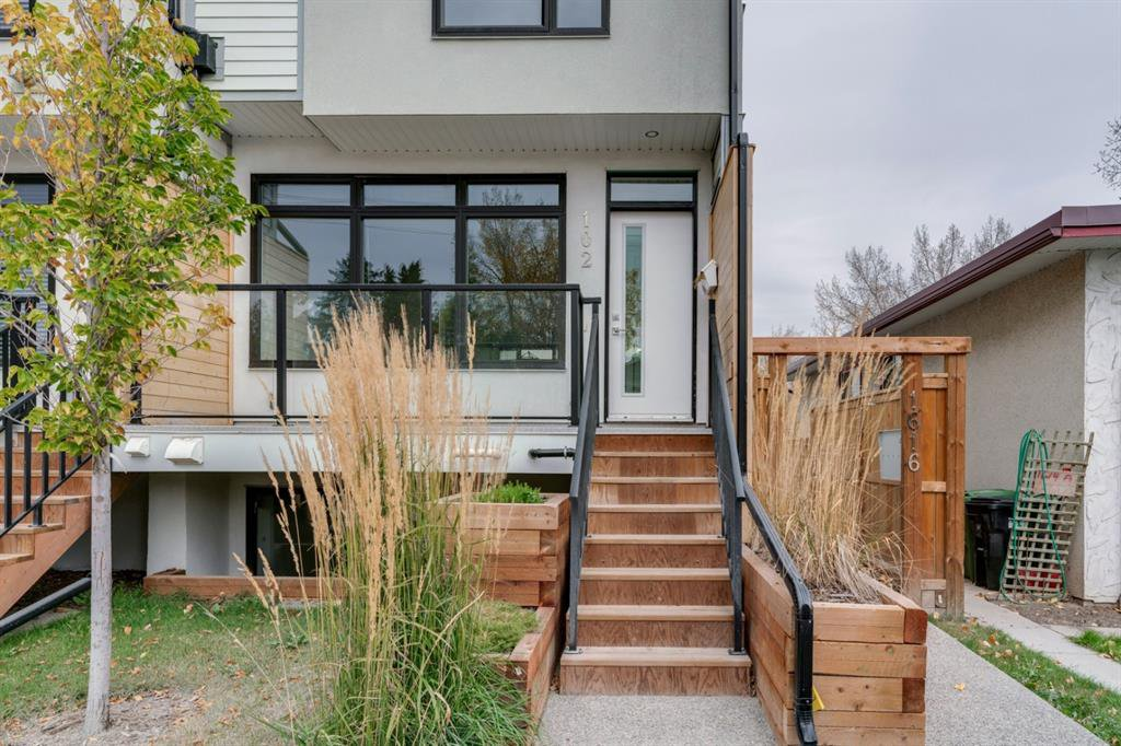 Main Photo: 102 1616 24 Avenue NW in Calgary: Capitol Hill Row/Townhouse for sale : MLS®# A1040781