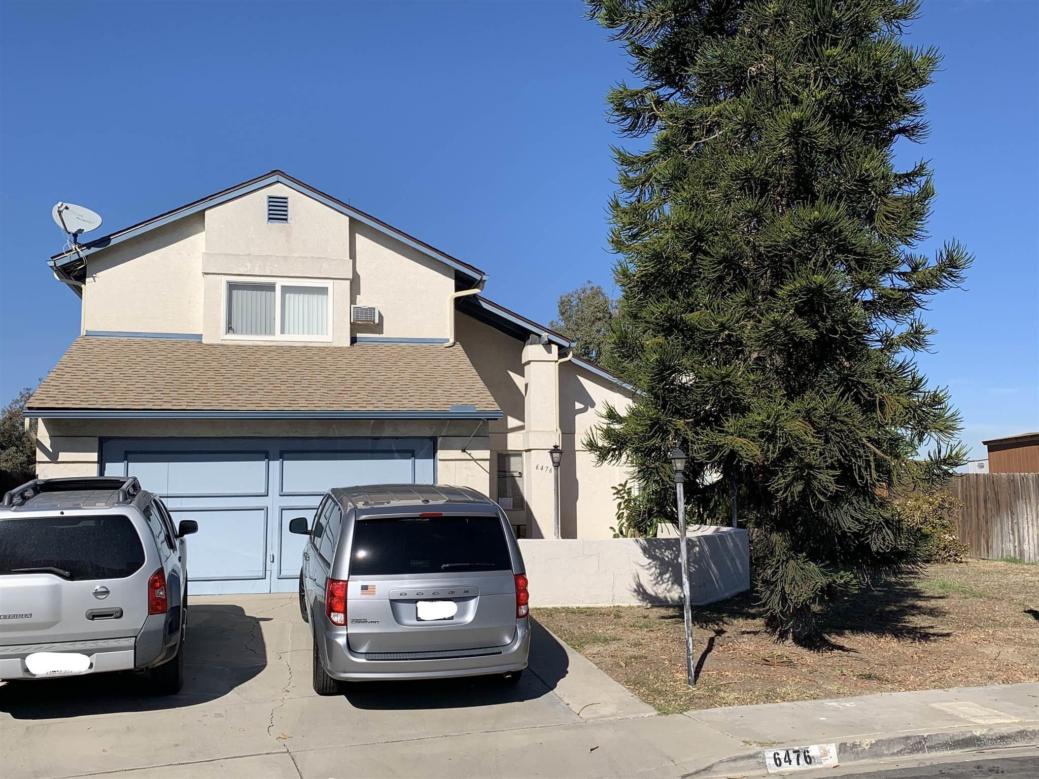 Main Photo: SAN DIEGO House for sale : 4 bedrooms : 6476 Calle Pavana