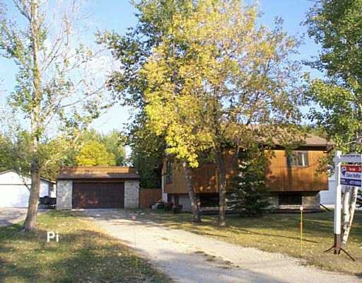 Main Photo: 739 BUCKINGHAM Road in Winnipeg: Murray Park Single Family Detached for sale (South Winnipeg)  : MLS®# 2616111