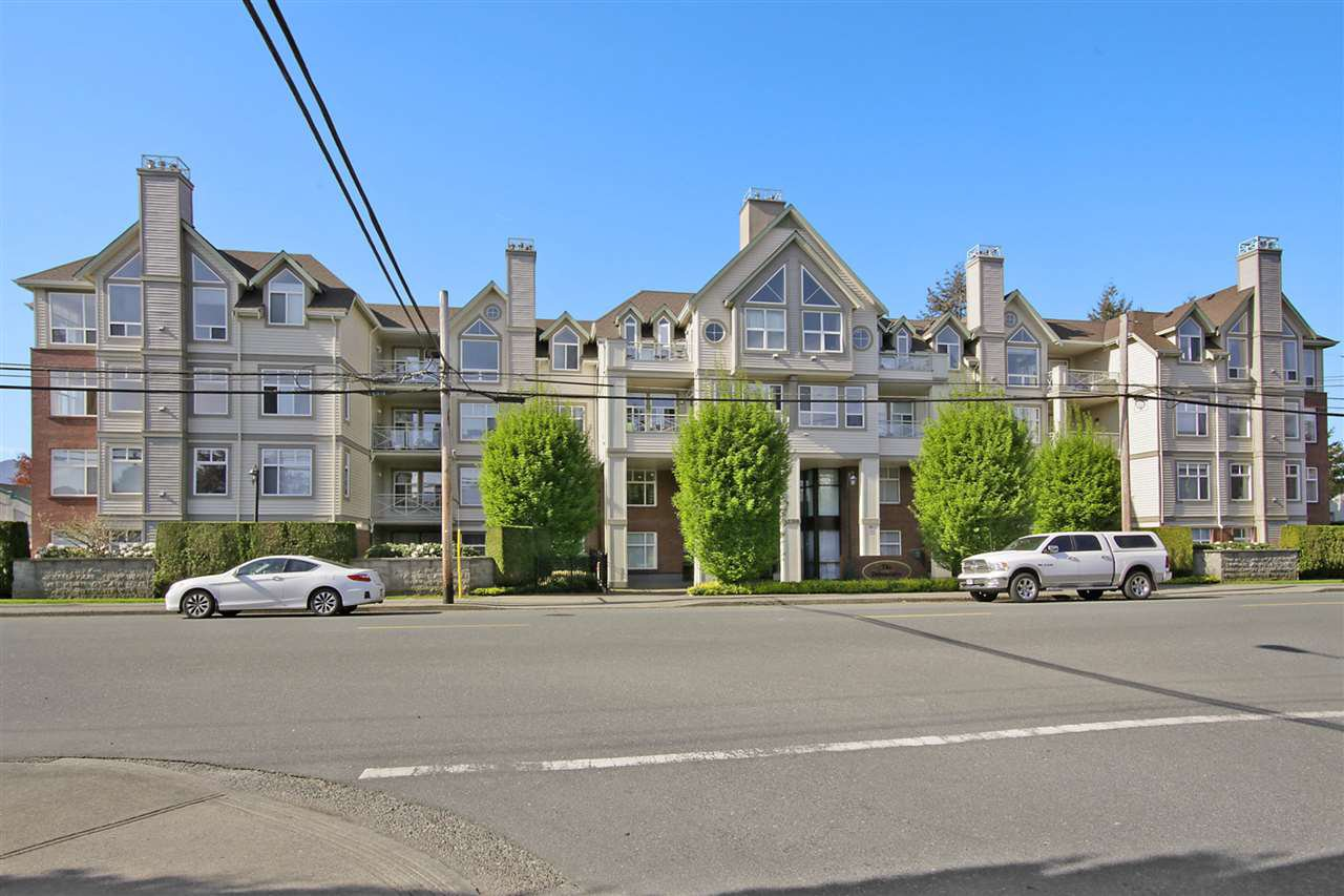 "Main Photo: 209 45700 WELLINGTON Avenue in Chilliwack: Chilliwack W Young-Well Condo for sale in ""The Devonshire"" : MLS®# R2401103"