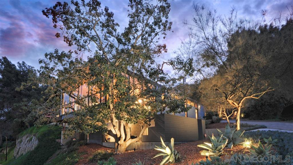 Main Photo: MISSION HILLS House for sale : 4 bedrooms : 3128 Falcon St in San Diego