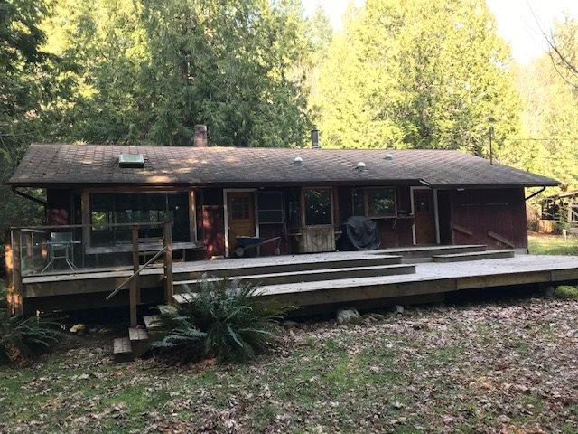 Main Photo: 1561 LOCKYER Road: Roberts Creek House for sale (Sunshine Coast)  : MLS®# R2446606