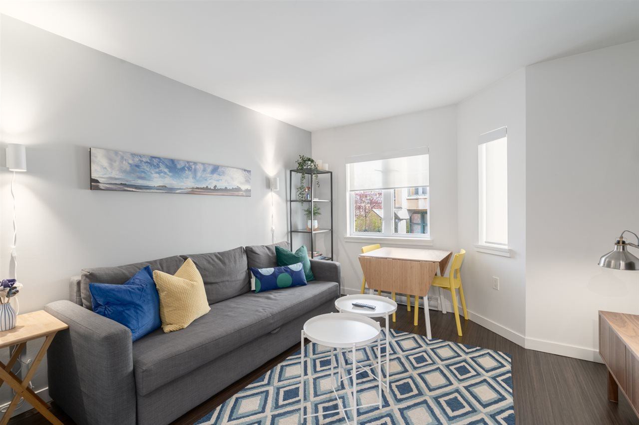 """Main Photo: 405 370 CARRALL Street in Vancouver: Downtown VE Condo for sale in """"21 Doors"""" (Vancouver East)  : MLS®# R2449537"""