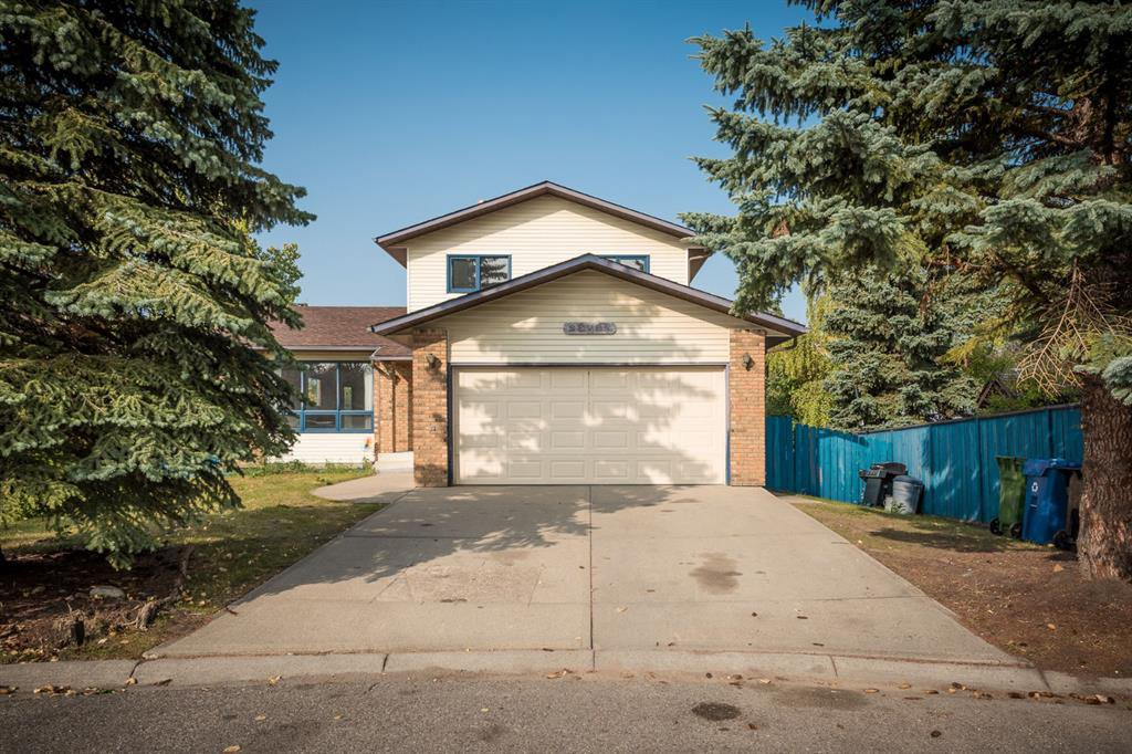 Main Photo: 7 hawkslow Place NW in Calgary: Hawkwood Detached for sale : MLS®# A1033671