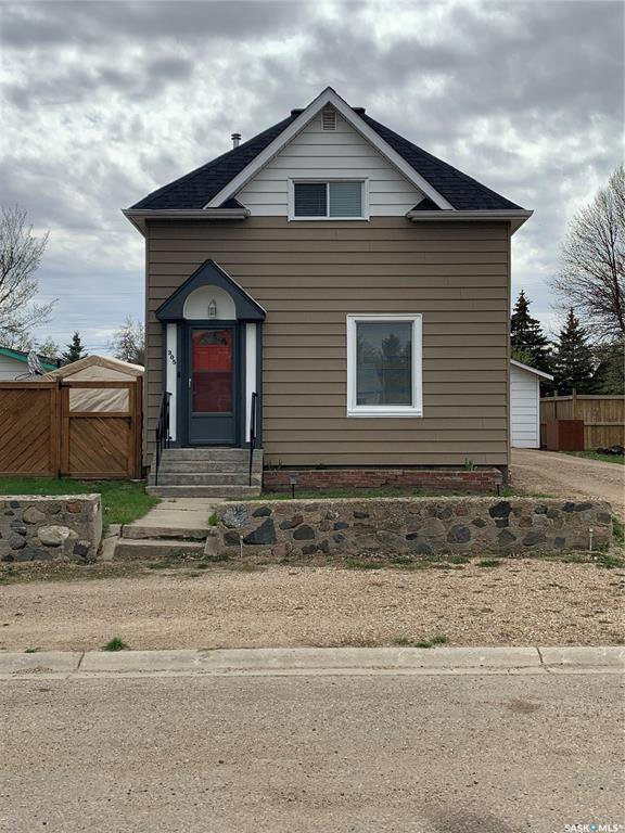 Main Photo: 305 4th Avenue West in Watrous: Residential for sale : MLS®# SK835988