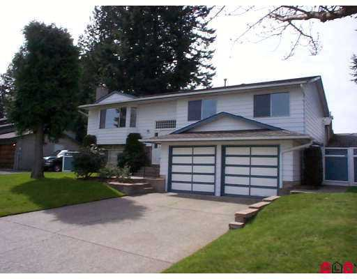 """Main Photo: 9665 151ST Street in Surrey: Guildford House for sale in """"GUILDFORD"""" (North Surrey)  : MLS®# F2708210"""