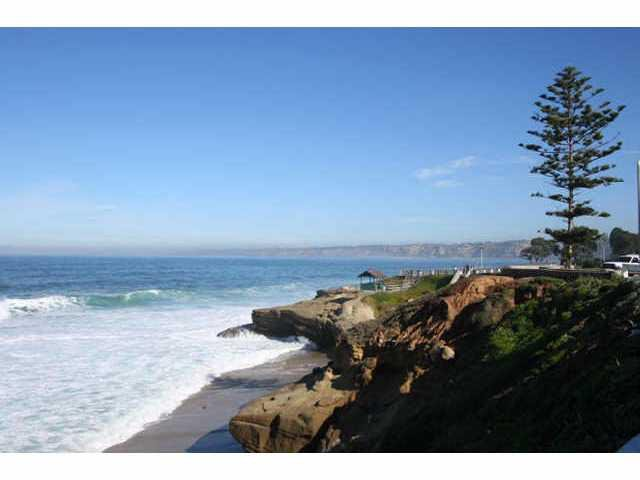 Main Photo: LA JOLLA Residential for sale : 3 bedrooms : 939 Coast Blvd # 101