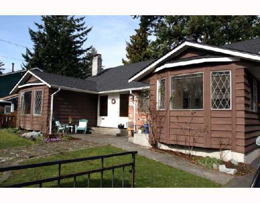 "Main Photo: 5533 6TH Avenue in Tsawwassen: Tsawwassen Central House for sale in ""N"" : MLS®# V691279"