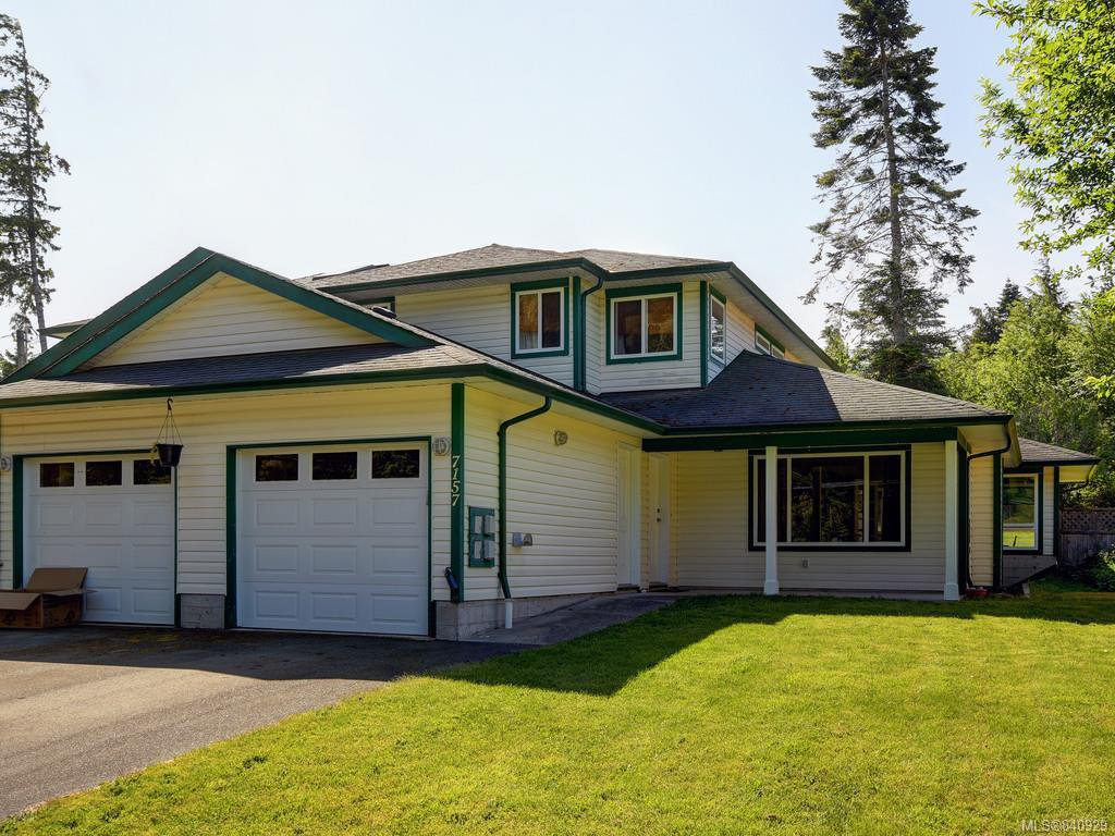 Main Photo: 7157 Wright Rd in Sooke: Sk Whiffin Spit Half Duplex for sale : MLS®# 840929