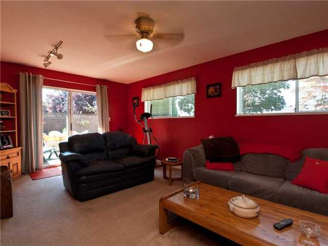 Photo 7: Photos: 1391 WHITEWOOD PL in North Vancouver: Norgate House for sale : MLS®# V848028