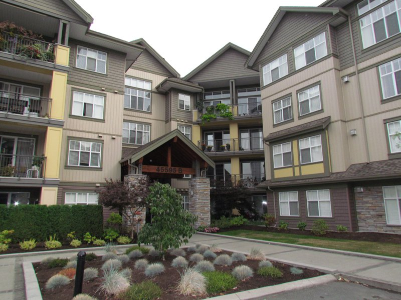 """Main Photo: #405B 45595 TAMIHI WY in SARDIS: Vedder S Watson-Promontory Condo for rent in """"THE HARTFORD"""" (Sardis)"""