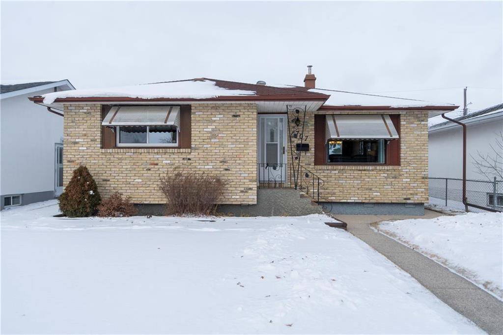 Main Photo: 707 Ravelston Avenue West in Winnipeg: West Transcona Residential for sale (3L)  : MLS®# 202000646