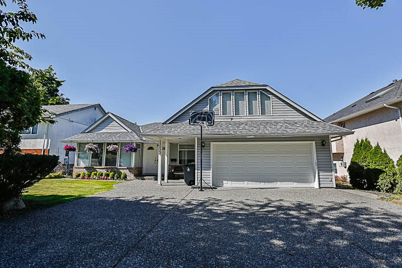 Main Photo: 13523 60 AVENUE in : Panorama Ridge House for sale : MLS®# R2189315