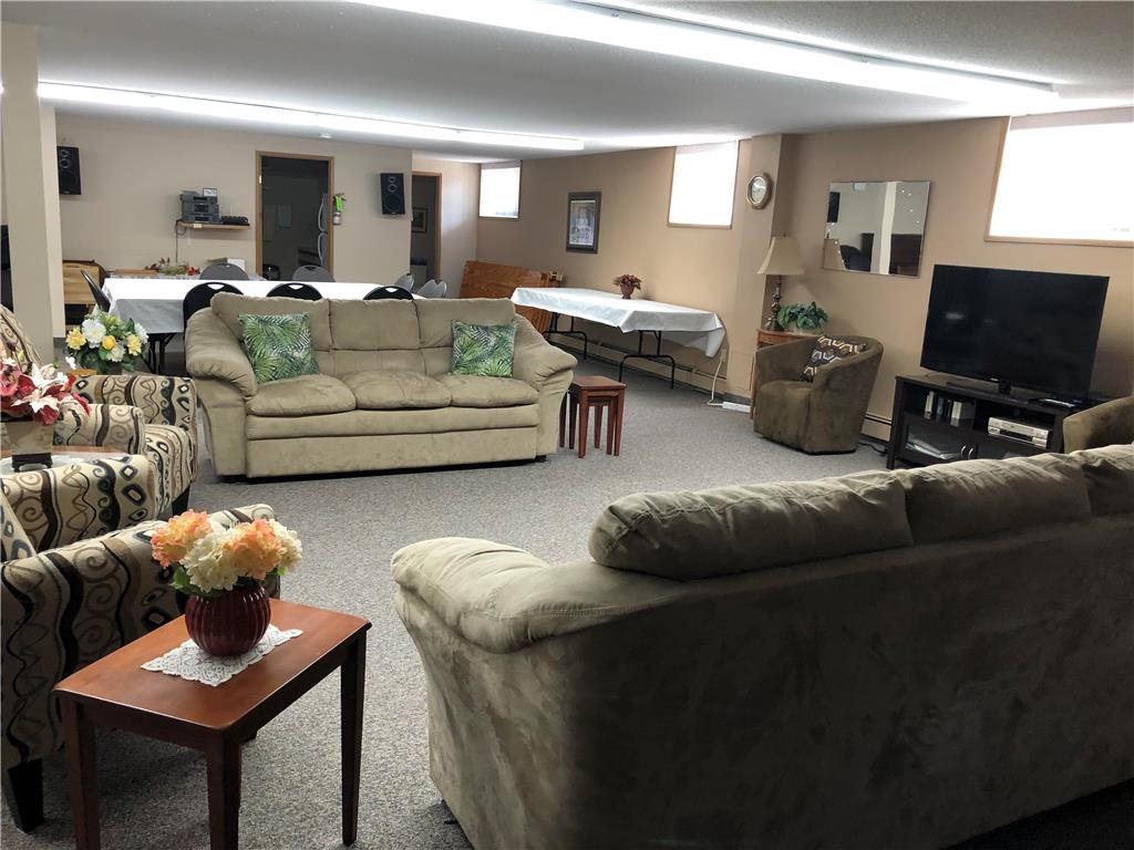 Photo 13: Photos: 304 685 St Anne's Road in Winnipeg: Condominium for sale (2E)  : MLS®# 202018429