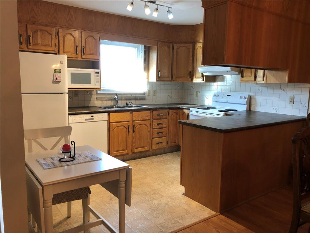 Photo 3: Photos: 304 685 St Anne's Road in Winnipeg: Condominium for sale (2E)  : MLS®# 202018429