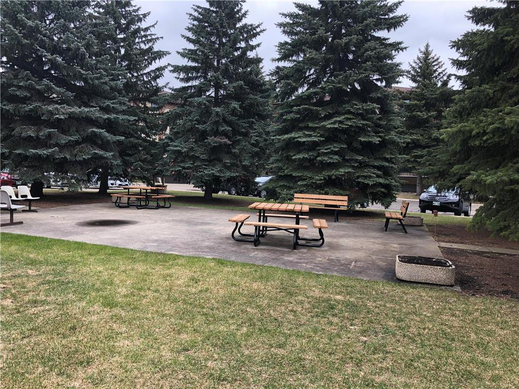 Photo 18: Photos: 304 685 St Anne's Road in Winnipeg: Condominium for sale (2E)  : MLS®# 202018429