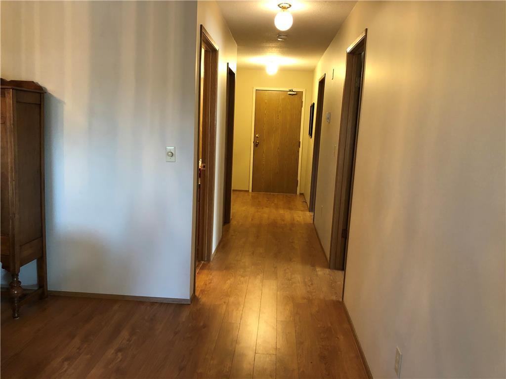 Photo 6: Photos: 304 685 St Anne's Road in Winnipeg: Condominium for sale (2E)  : MLS®# 202018429