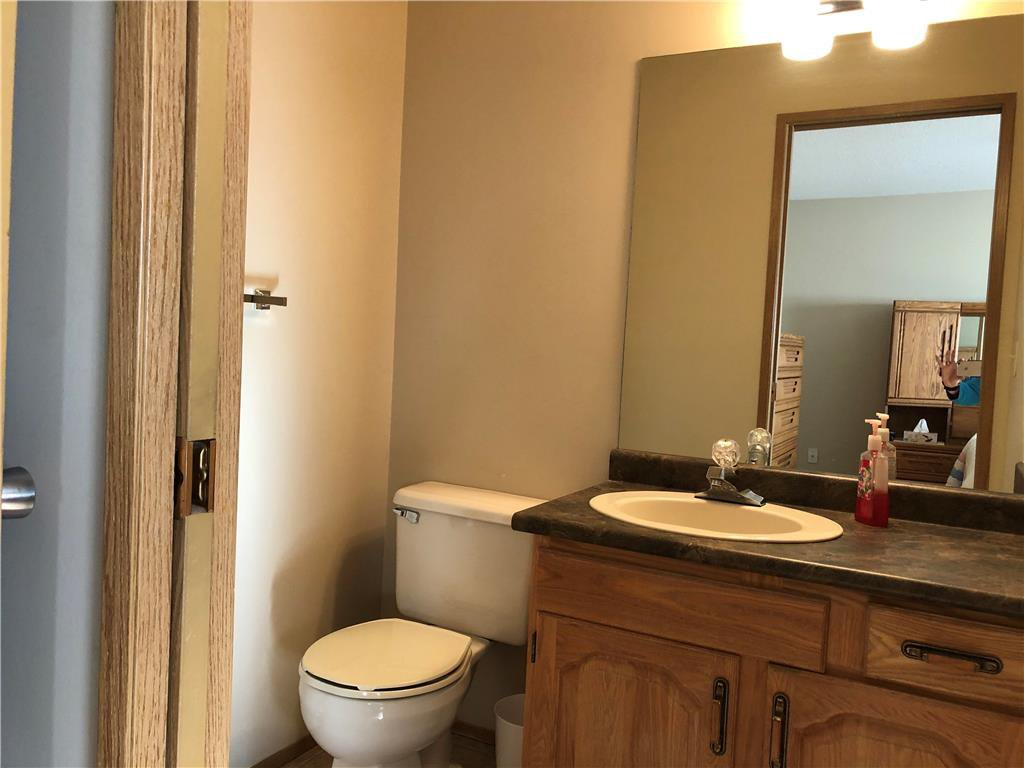 Photo 9: Photos: 304 685 St Anne's Road in Winnipeg: Condominium for sale (2E)  : MLS®# 202018429