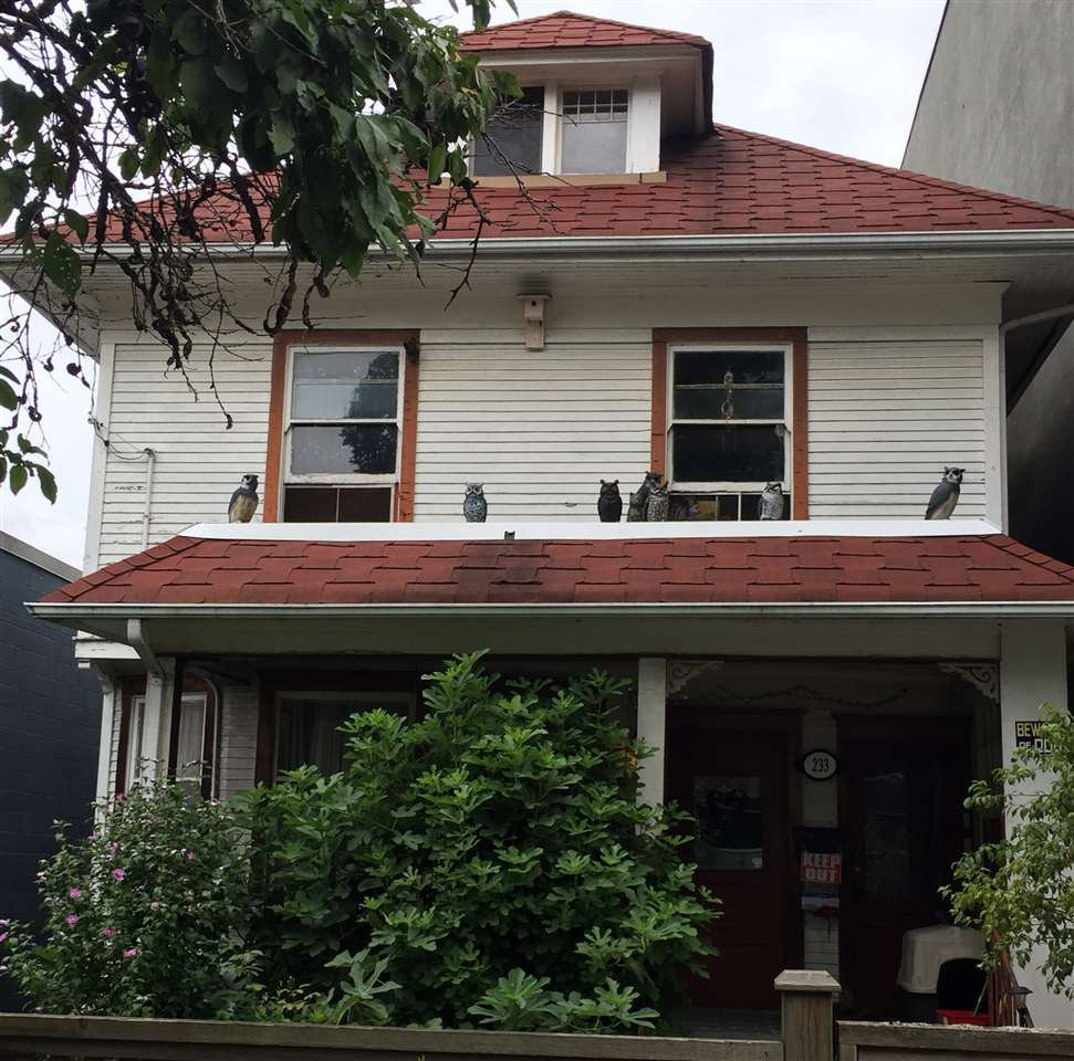 Main Photo: 233 W 8TH Avenue in Vancouver: Mount Pleasant VW Fourplex for sale (Vancouver West)  : MLS®# R2495138