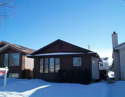 Main Photo: 686 ADSUM Drive in Winnipeg: Maples / Tyndall Park Single Family Detached for sale (North West Winnipeg)  : MLS®# 2601759