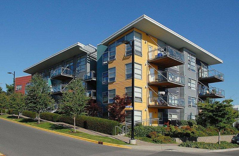 Main Photo: 90 Regatta Landing in Victoria: Residential for sale (104)  : MLS®# 265137
